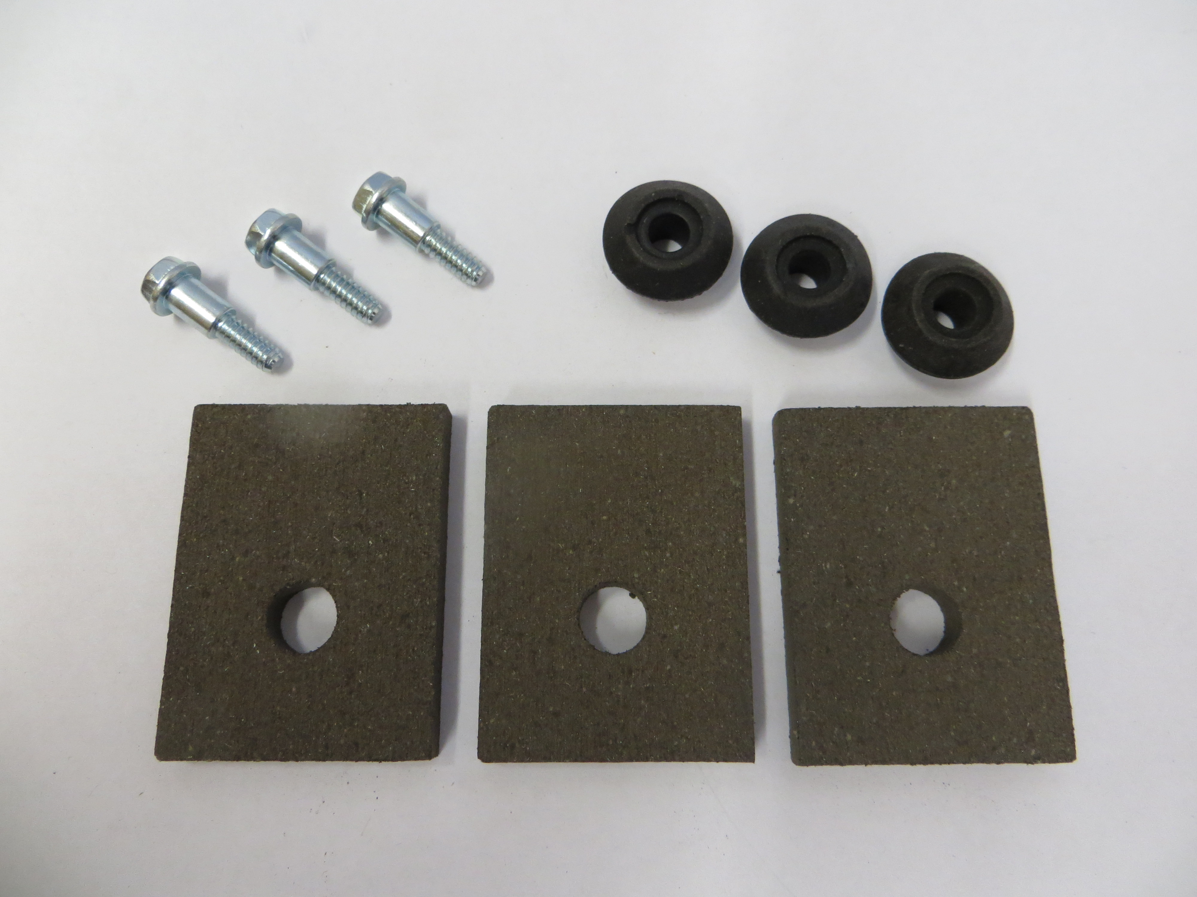 548P3  - Brake Pad & Screw Kit