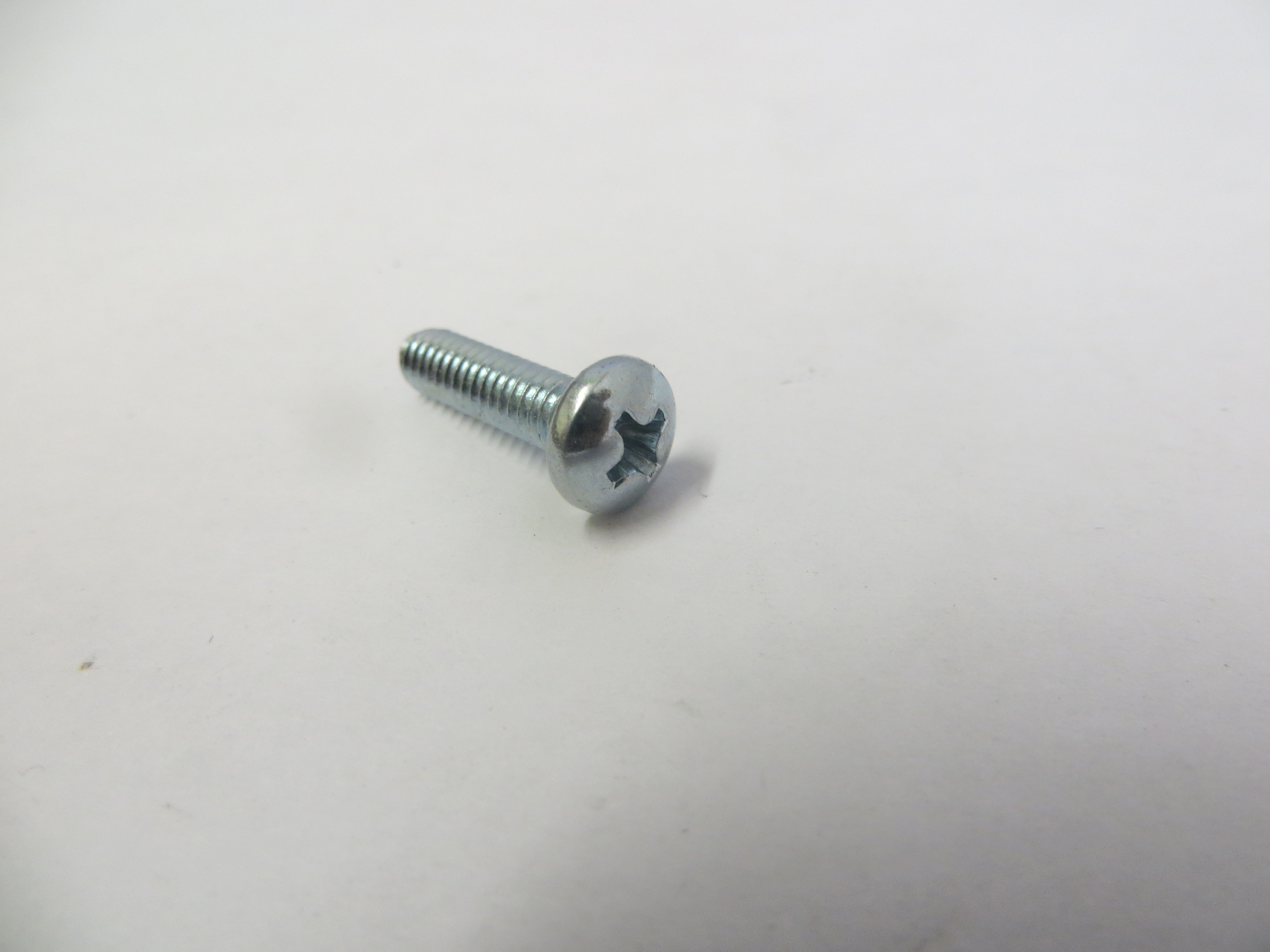 Panel Screw HD CR REC 8/32 X .625