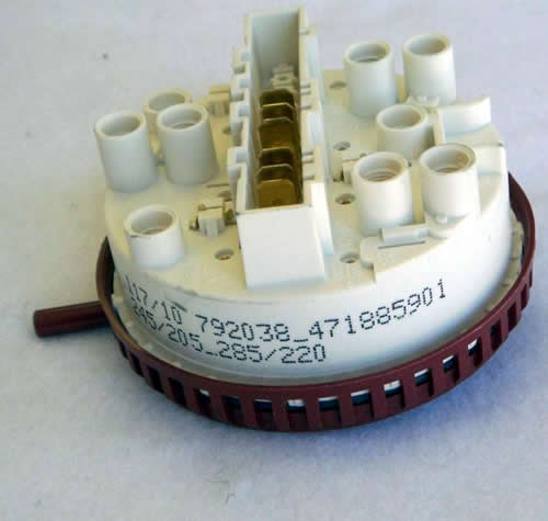 885901 - Wascomat Water Level Switch for W75